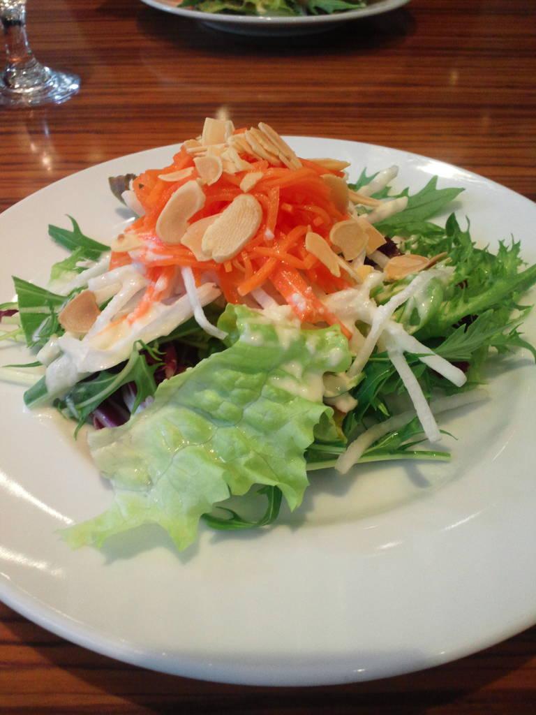 ランチ サラダ