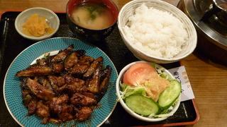 なす味噌炒め鳥肉入定食