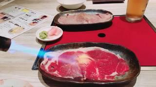 黒毛和牛の大判炙り寿司