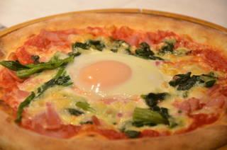 窯焼きピザ ビスマルク