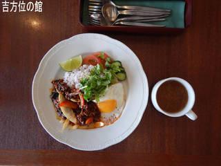 タイ風鶏肉炒めごはんランチ スープ付