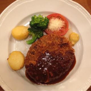 黒×黒ハンバーグ ステーキ メンチカツ