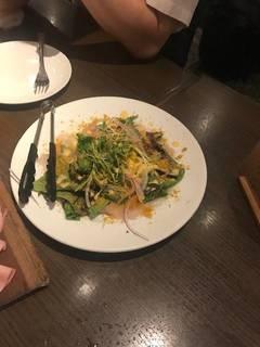 鮮魚のカルパッチョとサラダ