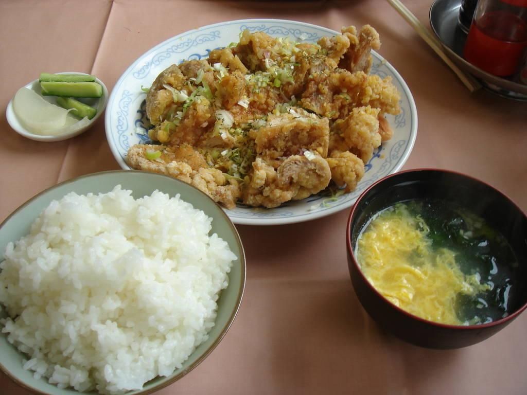 唐揚ソースかけ定食