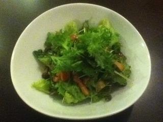 ベーコンと4種のきのこのサラダ