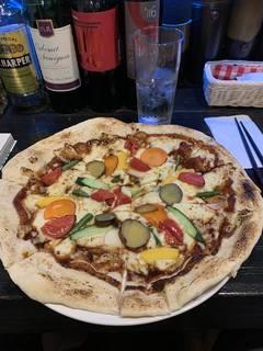 鎌倉野菜のピザ
