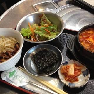 炭火丼+スンドゥブチゲ定食