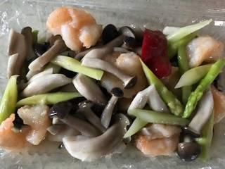 海老とアスパラの塩炒め