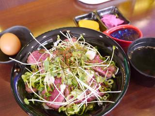 宮崎県産 黒毛和牛たたき丼