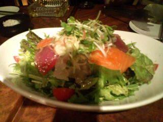 朝摘み野菜と魚介の山葵風味サラダ