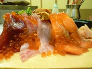 名物 ぶっかけ寿司こぼれ盛り