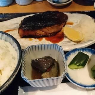 ランチ炭火焼き魚定食