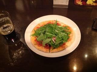 ナポリサラミと水菜のピィツァ