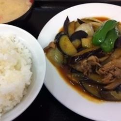 ナスと肉の生姜焼き定食