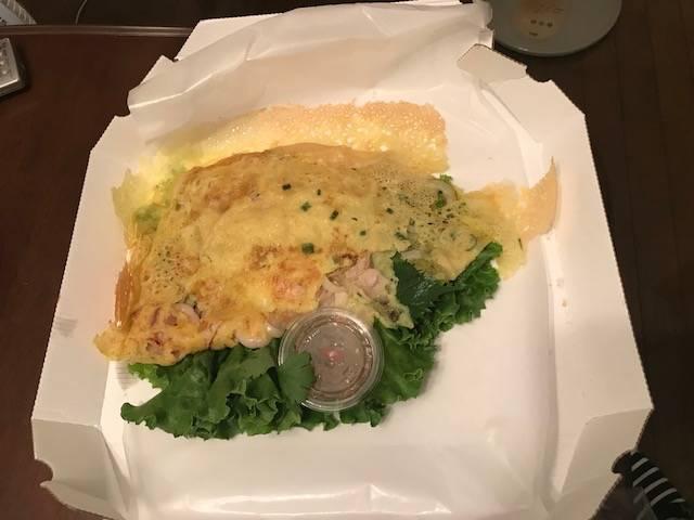 定番・海老と豚肉のバインセオ