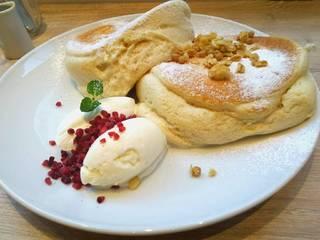 ふわふわパンケーキ ~メープルシロップとミルクジェラート添え~
