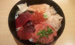 限定丼 (マグロ漬け、中落ち、穴子、いくら、鯛の胡麻合え)