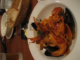 海老とムール貝のトマトソース