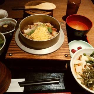 【限定10食】本日の釜飯とミニきしめん or そば