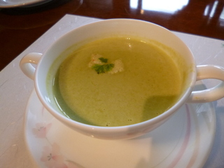 グリンピースとベーコンのスープ