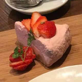 フランボワーズのレアチーズケーキ