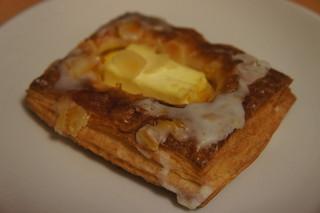 クリームチーズとカスタードデニッシュ