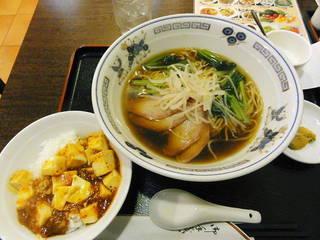 チャーシュー麺と麻婆丼のランチセット