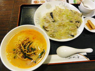 上海丼と半担担麺のランチセット