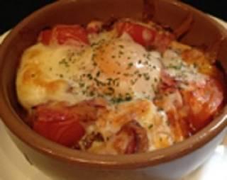 完熟トマトとバケットのチーズグラタン
