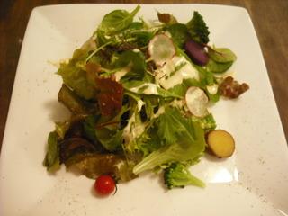 レタスと紫芋のサラダ