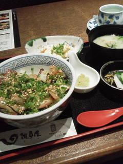 ランチタイム 海鮮丼