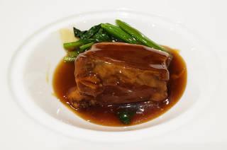 皮付き豚バラ肉の紹興酒煮