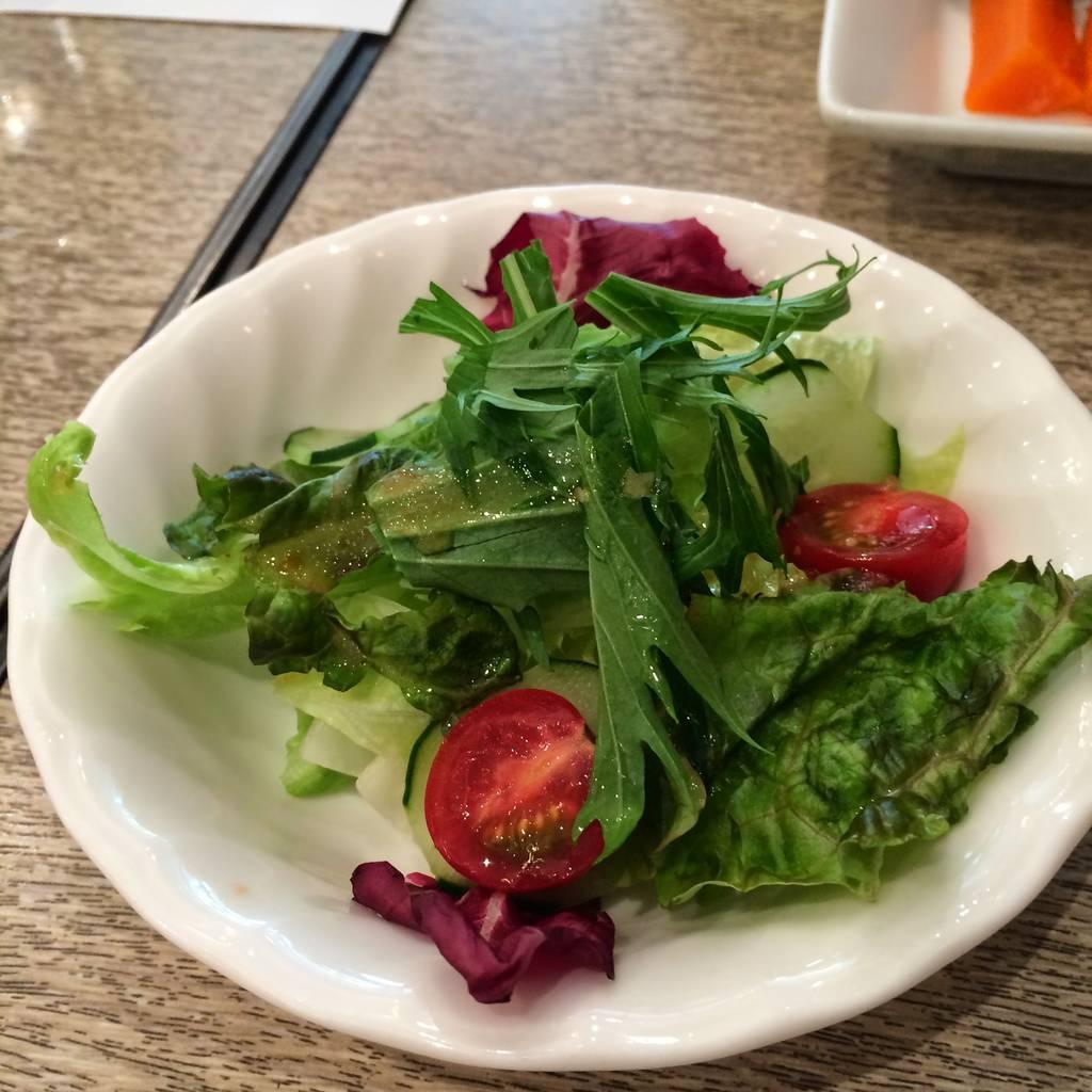 オムレツライス サラダ