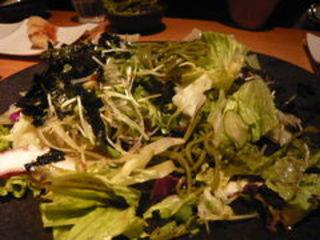 茶そばとタコの7種野菜サラダ