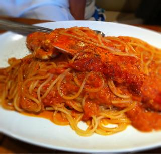 カニのパスタ トマトソース