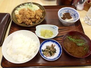 カラアゲ定食