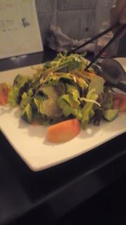 野菜たっぷり山盛りサラダ