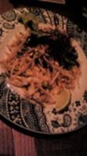 小海老と紋甲イカのパッタイ