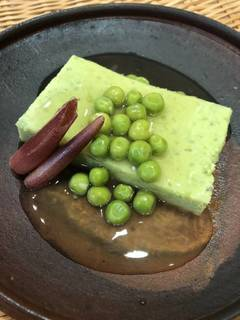 えんどう豆の豆腐仕立て