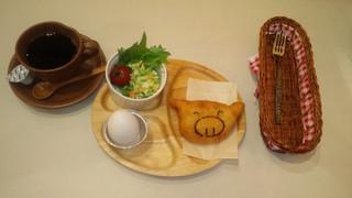 オリジナルピロシキ 米粉パン
