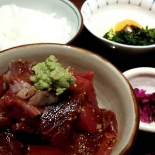 マグロ漬け丼定食