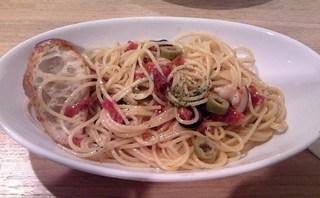 タコとドライトマトのペペロンチーノ