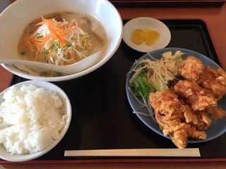 白湯ラーメンセットの唐揚げ定食