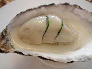 牡蠣のシャンパーニュジュレ仕立て