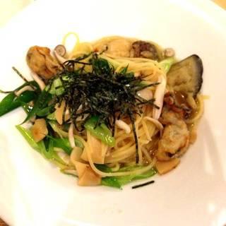 牡蠣と松茸と九条ねぎのパスタ