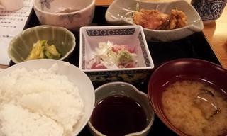 中おちと鶏の竜田揚げ定食
