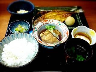 日替わり定食<お新香、温泉玉子、ごはん、小鉢>