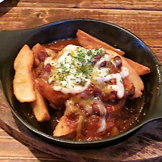 チリコンポテト(牛肉と鶉豆のトマト煮)のポテトグラタン