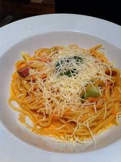 ブロッコリーのトマトクリームパスタ