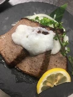 トロ肉ステーキ
